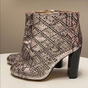 Calvin Klein Jasmine boots